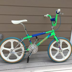 a picture of a 1986 Haro freestyle master in acid green